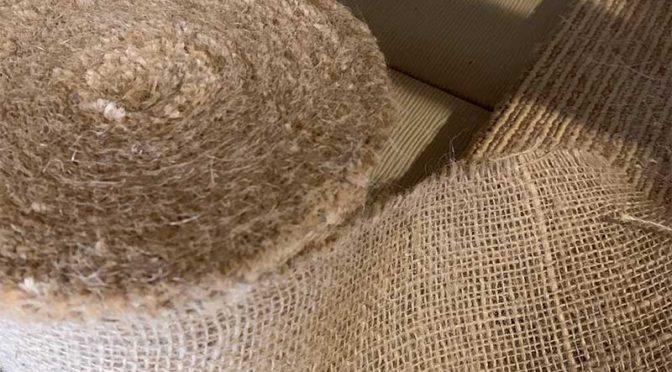 麻根巻き布で爪研ぎポールを補修